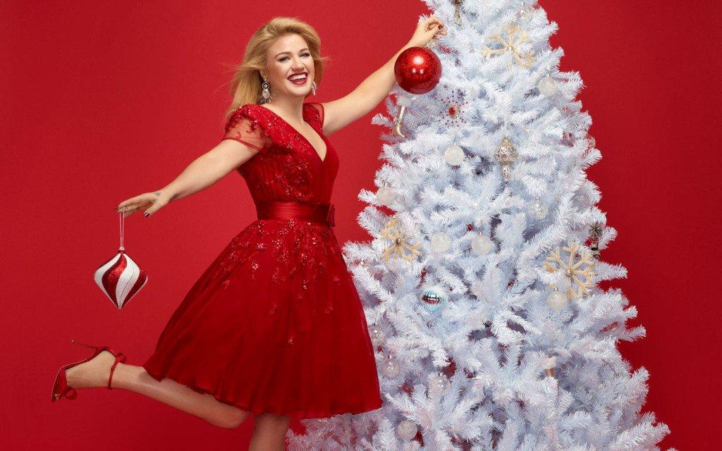 Music Monday: Chris\' Pop Christmas Playlist - Listen! It\'s Vetrano